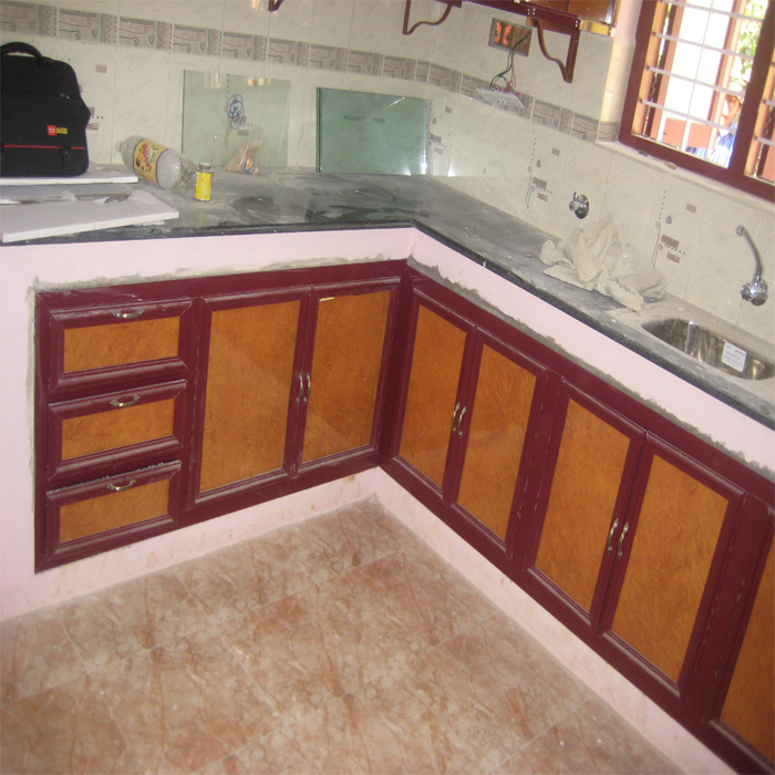 Gallery kitchen cabinets average cost picture ideas for Kitchen cabinets you put together